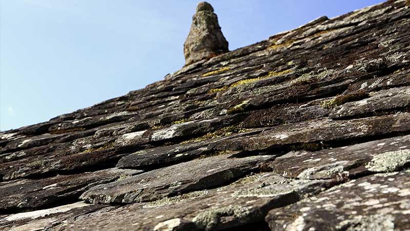hebergement ardeche-domaine de rilhac-toiture en pierre.